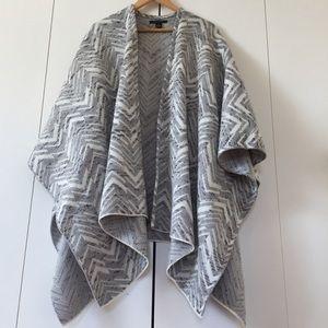 Tahari large poncho wrap shawl scarf